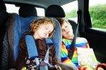 Lange Autofahrten sind für Kinder oft eine Qual.