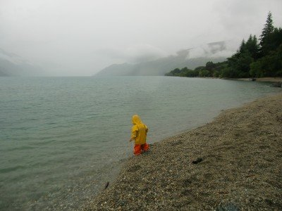 Schlechtes Wetter gute Kleidung am Lake Wakatipu © Weltwunderer