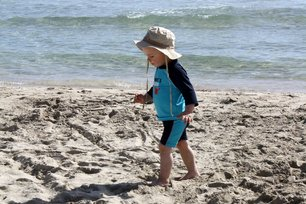 Am flach abfallenden Sandstrand © PamiP