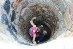 Aus jedem Loch kriechen Kinder! © Jenny