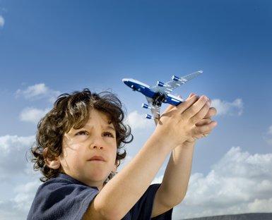 Was taugen die Kindertarife der deutschen Fluglinien?