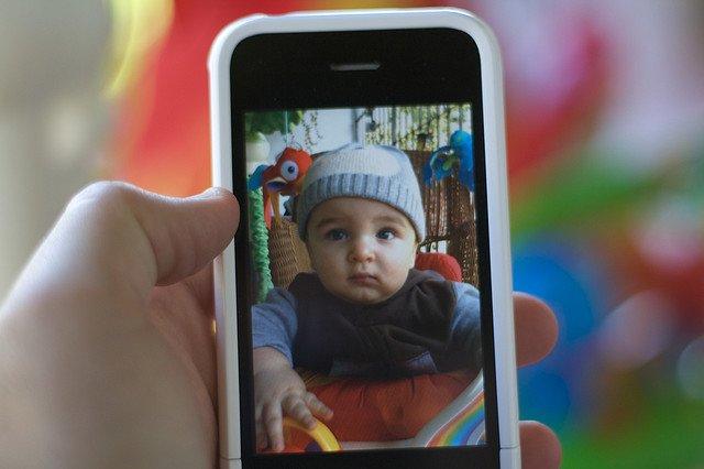 Apps sind nützliche Helfer für Familien auf Reisen © iPhone_emerille/Flickr
