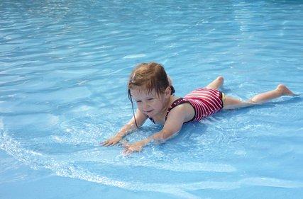 Kinder können auch in flachem Wasser ertrinken! © GordonGrand/Fotolia