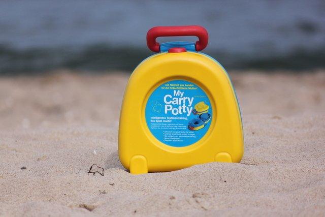 Carry Potty - die mobile Töpfchenlösung für unterwegs © KidsAway