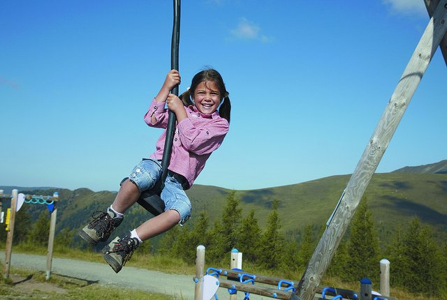 Toll, wenn ein Spielplatz auf der Route liegt © FlickR/badkleinkirchheim