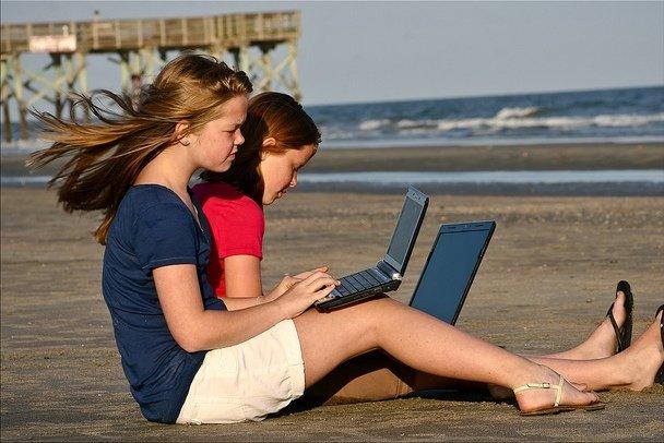 Im Urlaub kann ein Laptop gute Dienste leisten © FlickR/Spree2010