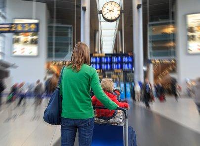 Deutsche Flughäfen sind selten familienfreundlich © nadezhda1906 - Fotolia.com