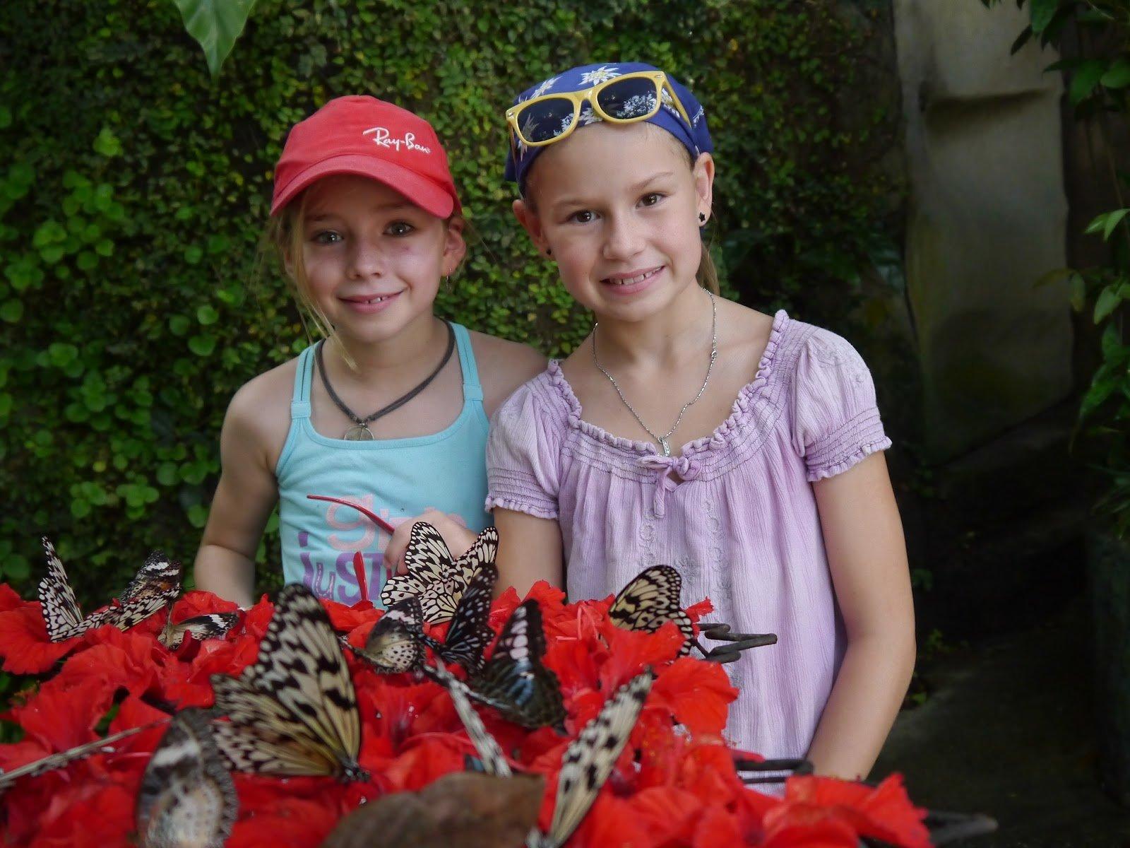 Jill und Joya im Butterfly Garden