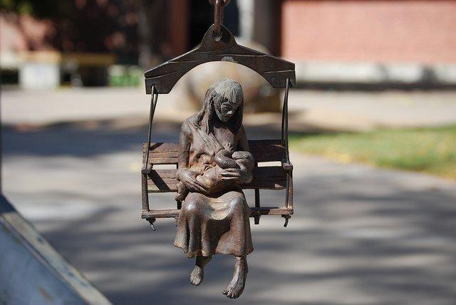 Stillende Mutter - die natürlichste Sache der Welt © FlickR/Eat_Crow
