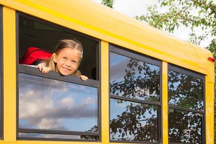 Allein Bus fahren - ein Kinderspiel © Mike D. - Fotolia.com