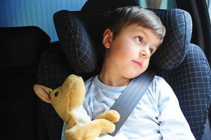 Mir ist laaangweilig! Lange Fahrten mit Kind können die Hölle sein © photophonie - Fotolia.com