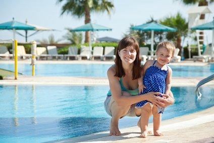 Ein kindergeeigneter Pool im Hotel - perfekt! © JackF - Fotolia.com