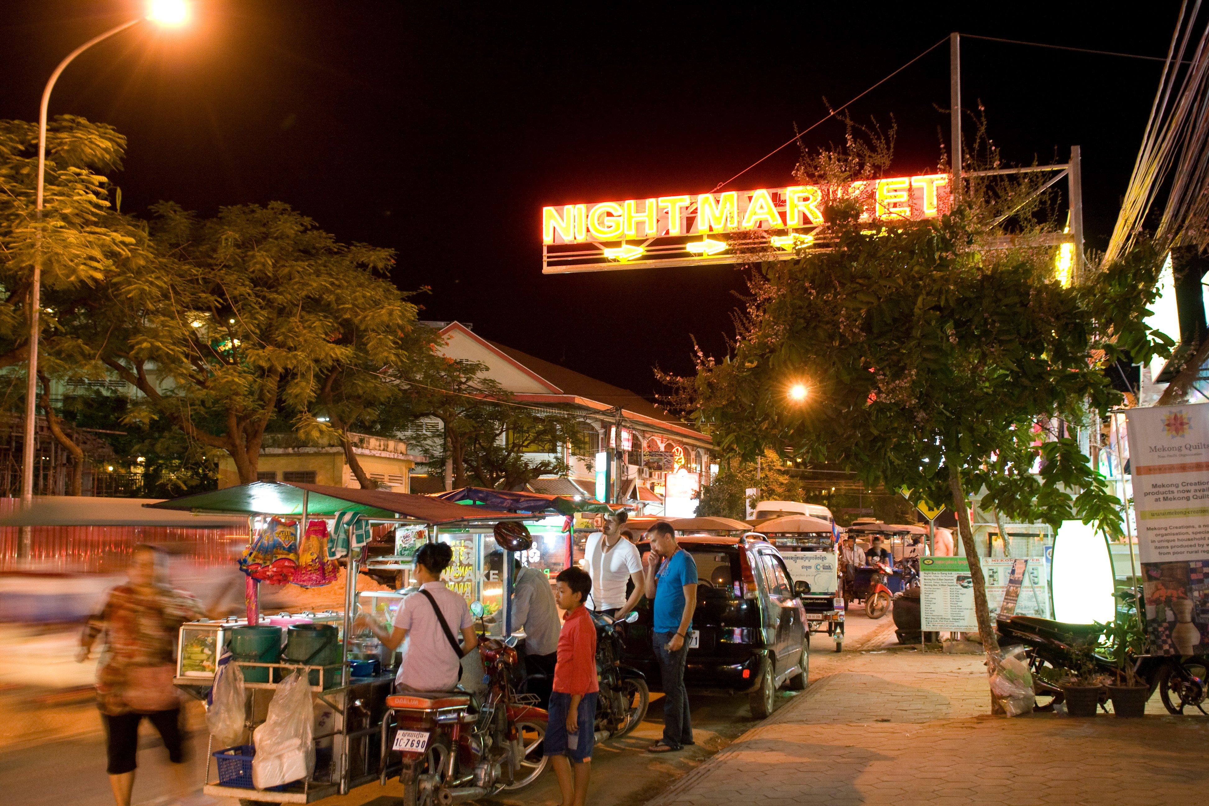 Straßenküchen sind zum Entdecken ideal - hier auf dem Nachtmarkt von Siem Reap © Weltwunderer