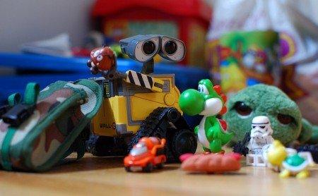 Viele kleine Spielsachen versüßen auch die längste Reise © FlickR/meddygarnet