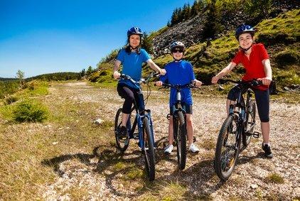 Mit Teenagern kann man im Urlaub viel unternehmen © Jacek-Chabraszewski - Fotolia.com