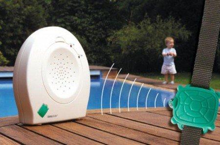 Safety Turtle gibt Alarm, wenn Kinder ins Wasser fallen © Protection Piscine Enfants