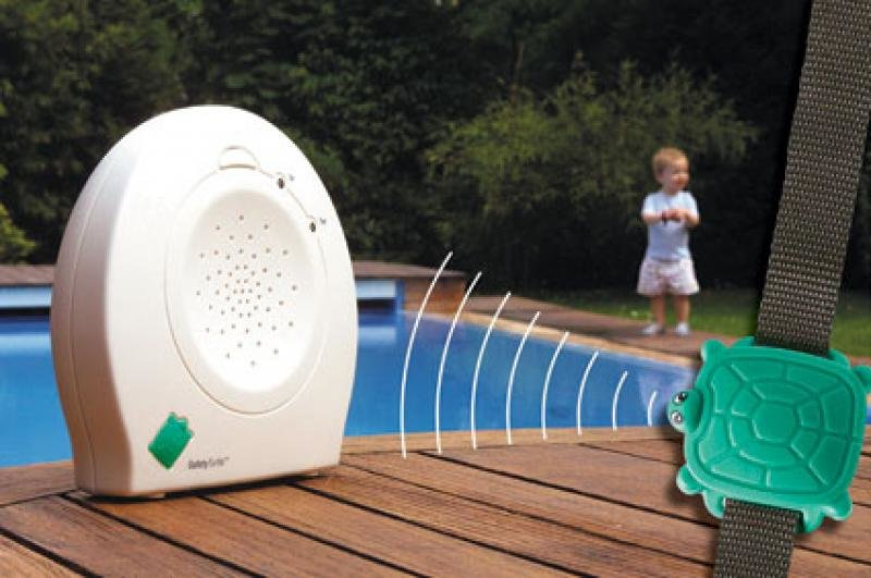 Safety Turtle gibt Alarm, wenn Kinder ins Wasser fallen © Protection Piscine Enfants