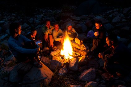 Urlaub mit Lagerfeuer - was gibt es Schöneres? © Alex Ishchenko - Fotolia.com