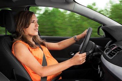 Beim Autofahren sollten Schwangere vorsichtig sein © Fernando Madeira - Fotolia.com