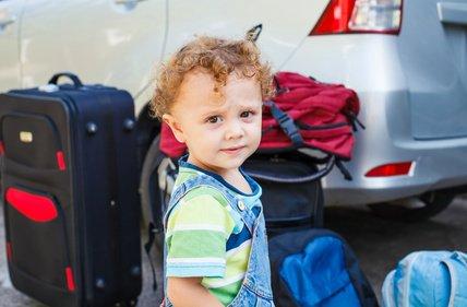 Familien haben immer viel Gepäck - umso wichtiger ist cleveres Packen © altanaka - Fotolia.com