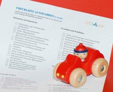 Packliste für lange Autofahrten mit Kind - was muss mit? © KidsAway.de