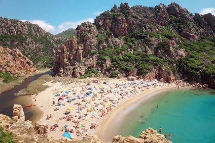 Urlaub in den Schulferien, das heißt oft volle Strände und hohe Preise © g-vision - Fotolia.com