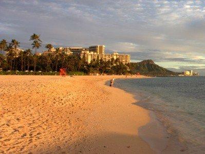Ein Traum vom Paradies: Waikiki Beach auf Maui © Sunil Veluvali/Fotopedia