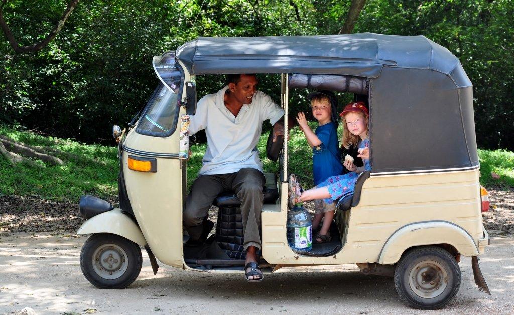 Mit Chauffeur Bandulla im Tuktuk © Wolfgang Stromberg