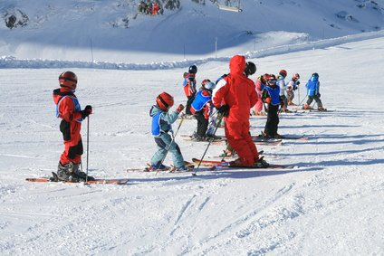 Kinderfreundliche Skischulen mit sicheren Übungsstrecken gehören zu den Kriterien © Moreno Novello - Fotolia.com