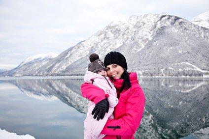 Mit Baby im Skiurlaub - kein Problem! © freudelachenliebe - Fotolia.com