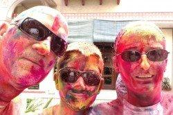 Die Asien-Fans beim Holi-Fest in Indien