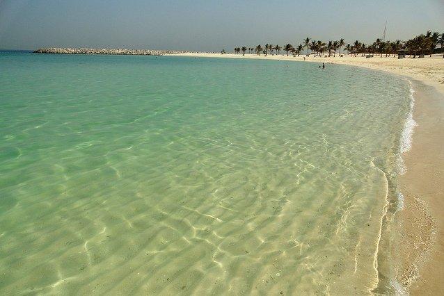 """Ein perfekter Strand für Familien: Dubais """"Al Mamzar Beach Park"""" © Flickr/travelourplanet.com"""
