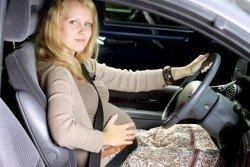 Schwanger mit dem Auto reisen - im Prinzip kein Problem
