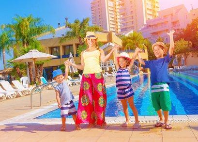Pauschalreise mit Kind: Familien müssen genau hinschauen © Anna Omelchenko/Fotolia.com