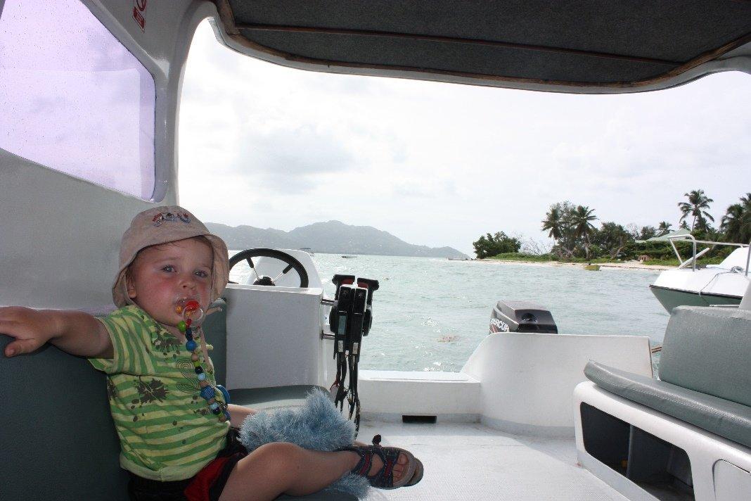 Am besten kommt man per Boot von Insel zu Insel © www.flind.de