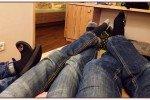 6 Füße beim Ausspannen © Uwii