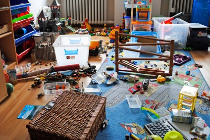 Im Kinderzimmer verbergen sich Schätze für den Flohmarkt.  © Strauchburg.de - Fotolia.de