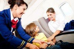 Sichere Sitzplätze für Kinder und Babys - im Flugzeug immer noch nicht selbstverständlich