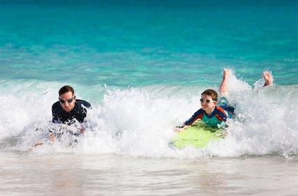 Surfen ist cool und macht Spaß © BlueOrange Studio - fotolia.com