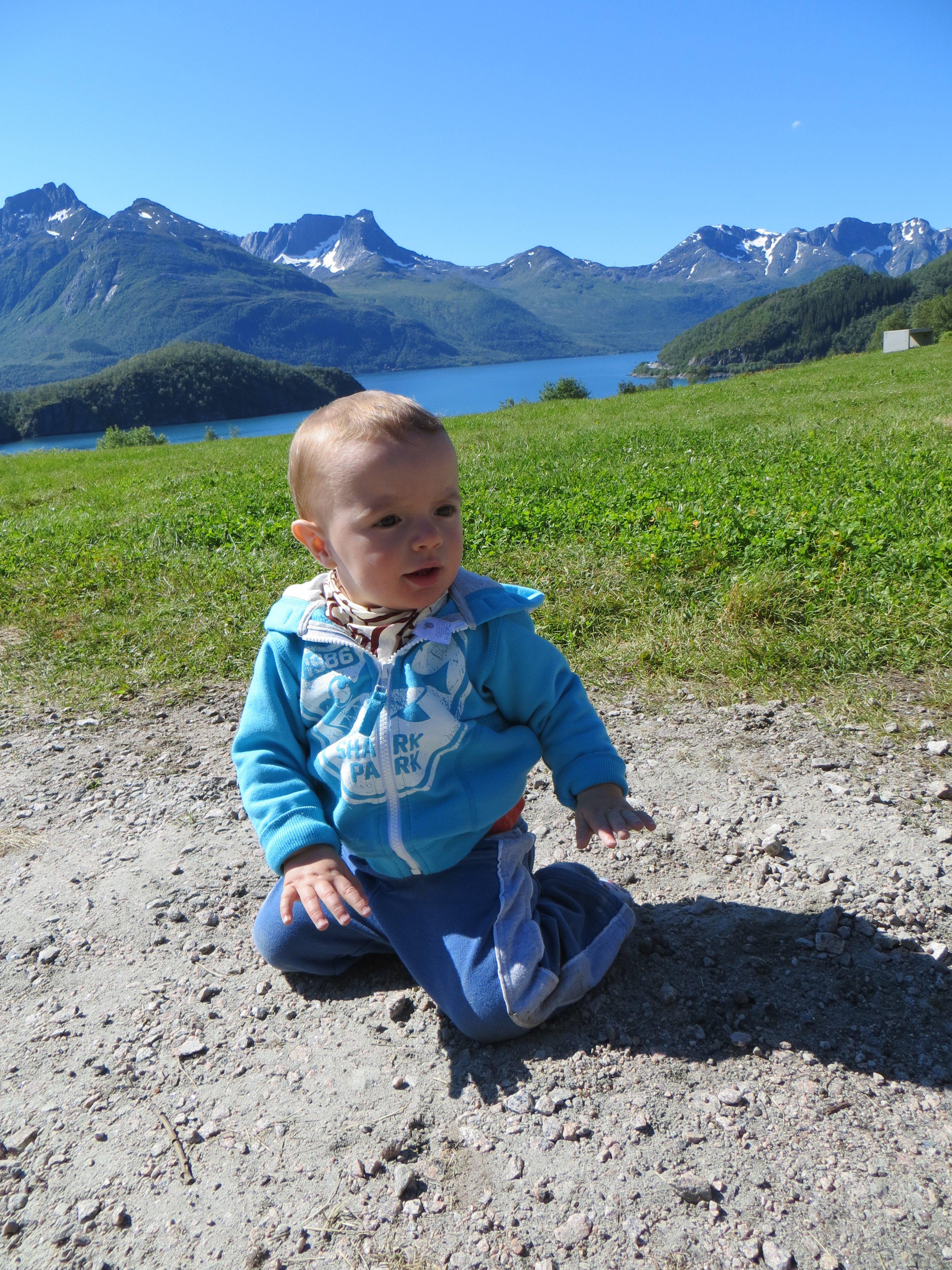 Lucas reist durch die norwegischen Bergen © Paola