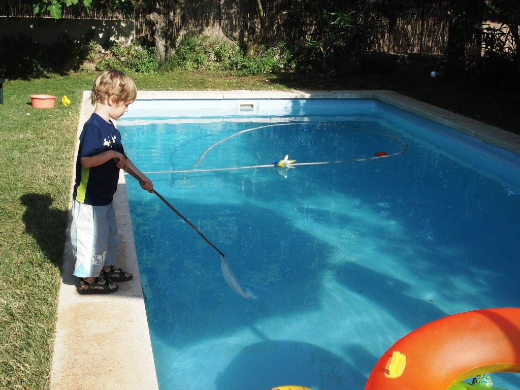 Am Pool in unserer Finca © Jenny Menzel