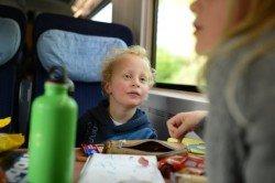 Bahnfahren macht Kindern Spaß - mit der richtigen Lektüre umso mehr
