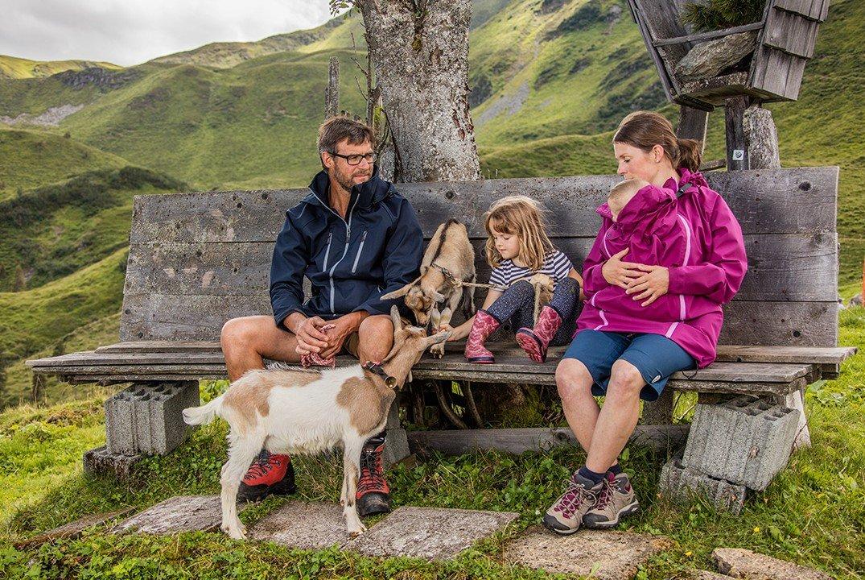 Wind- und wetterfest verpackt wird's ein Abenteuer für die ganze Familie © mamalila