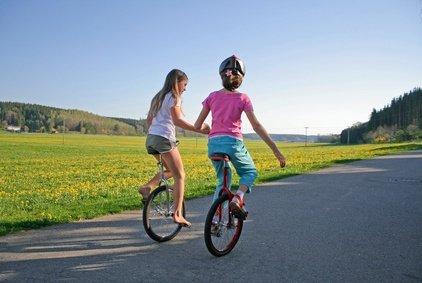 Freundschaften schließen im Urlaub, das klappt besser mit einem kleinen Wortschatz © paul prescott - Fotolia.com