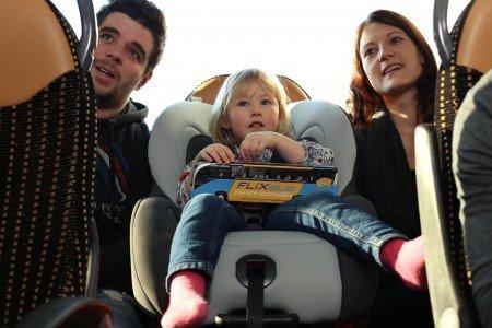 Fernbusse sind auch für Familien mit Kindern eine Option © Flixbus