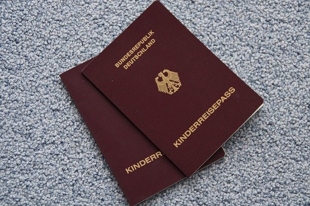 Gültige Reisedokumente sind die Voraussetzung für euren Familienurlaub © Pixabay