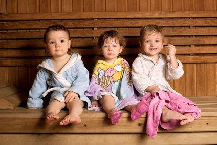 Sauna ist auch schon für Kleinkinder geeignet © Aliaksei Lasevich - Fotolia.com