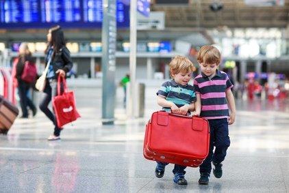 Für Familien gelten gelockerte Regeln für das Handgepäck © Irina Schmidt - Fotolia.com