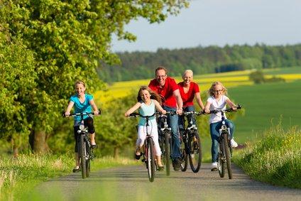 Fahrradtouren im Urlaub sind klasse - nur wie bekommt man die Räder transportiert? © Kzenon - Fotolia.com