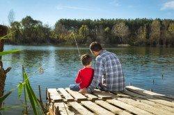 Angeln ist eine tolle Urlaubsaktivität für Familien